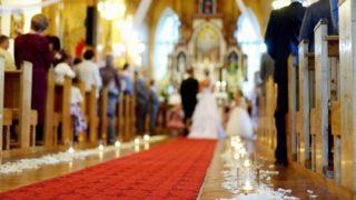 結婚式の象徴的な存在「バージンロード」について