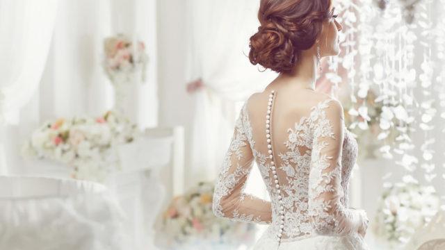 ウェディングドレスにふさわしい髪型とは