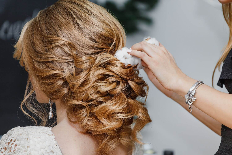 ウェディングドレスにあう髪型