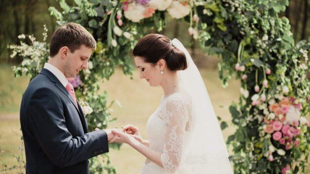 結婚式での指輪交換をするとき、何に気をつける?